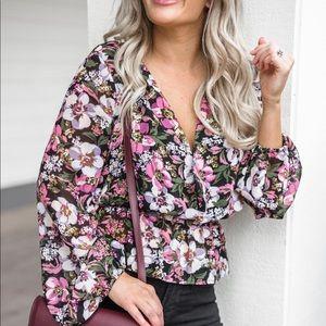 Tops - WAYF long sleeve floral top